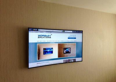 4K-curved-smart-55-inch-TV-installed