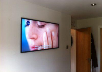 Smart-TV-installation-in-bedroom