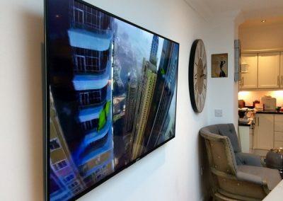 manchester-TV-installation-gallery-apr-2017-002