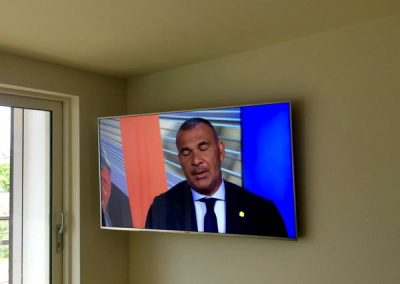 worsley-tv-solutions-wall-mounting-gallery-May-2016-002