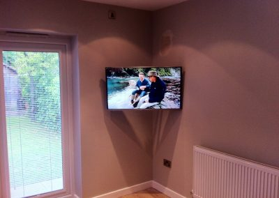 worsley-tv-solutions-wall-mounting-gallery-may-2014-12