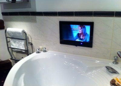 worsley-tv-solutions-wall-mounting-gallery-may-2014-17