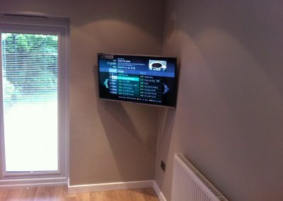 worsley-tv-solutions-wall-mounting-gallery-may-2014-18