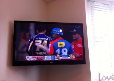 worsley-tv-solutions-wall-mounting-gallery-may-2014-9